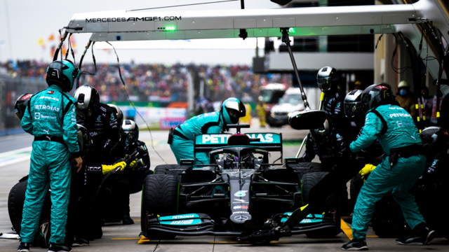 WATCH: Hamilton and Mercedes' pit stop dilemma at the 2021 Turkish Grand Prix dissected